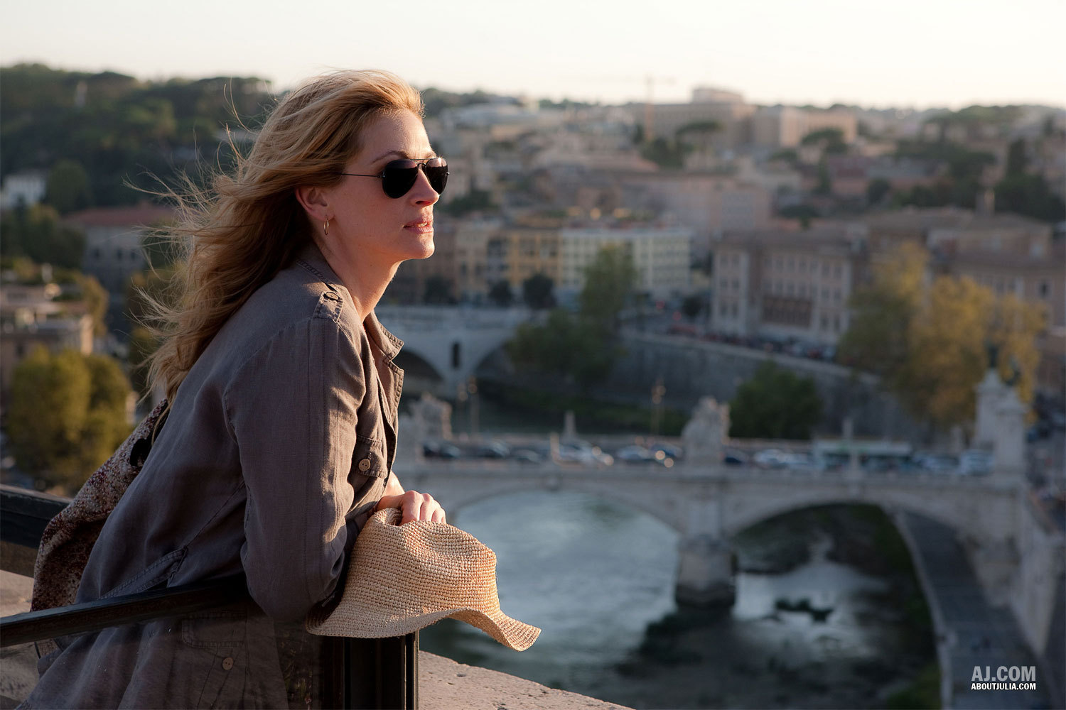 Eat-Pray-Love-Movie-Stills-julia-roberts-9634601-1500-1000