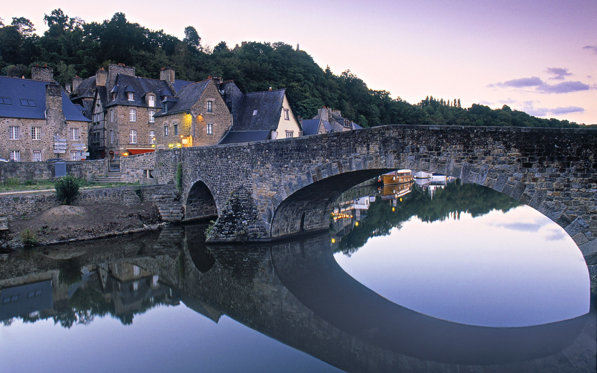 Dinan-Brittany-France_1920x1200