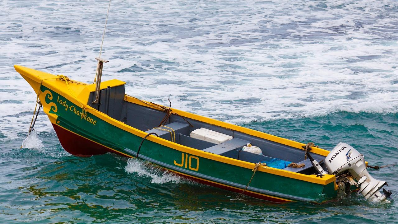 fishing-boat-71033_1280