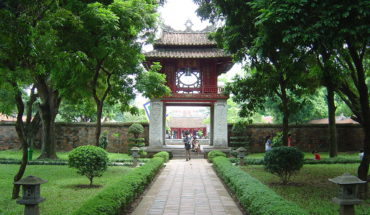 1280px-Hanoi_Temple_of_Litterature